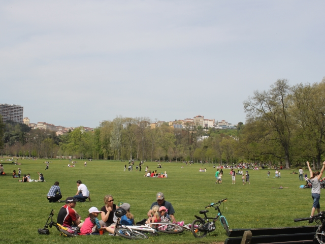 Lyon : le parc de la Tête d'Or évacué et fermé à cause du vent