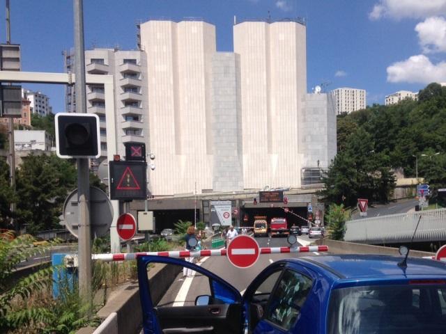 Lyon : une bretelle d'accès au tunnel de Fourvière coupée (màj)