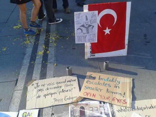 Lyon : près de cent personnes réunies vendredi soir pour la Turquie