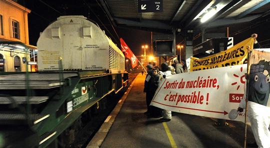 Un train de déchets nucléaires à 80km de Lyon