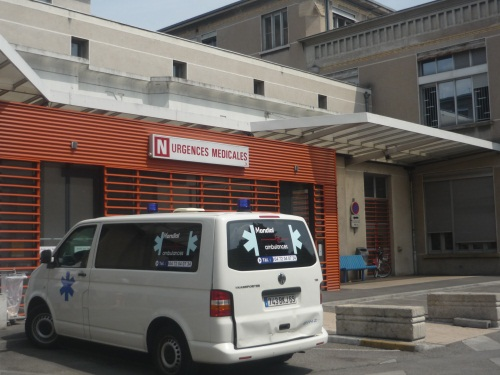 Un collégien entre la vie et la mort hospitalisé à Lyon