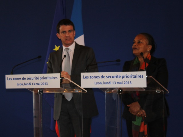 """Valls et Taubira à Lyon  : """"Une baisse de la délinquance dans les ZSP"""""""