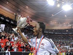 Bakary Koné avec la Coupe de France 2009 remportée avec Guingamp - DR