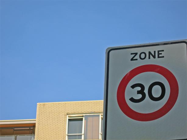 Sécurité routière : vers une extension des zones 30 à Lyon ?